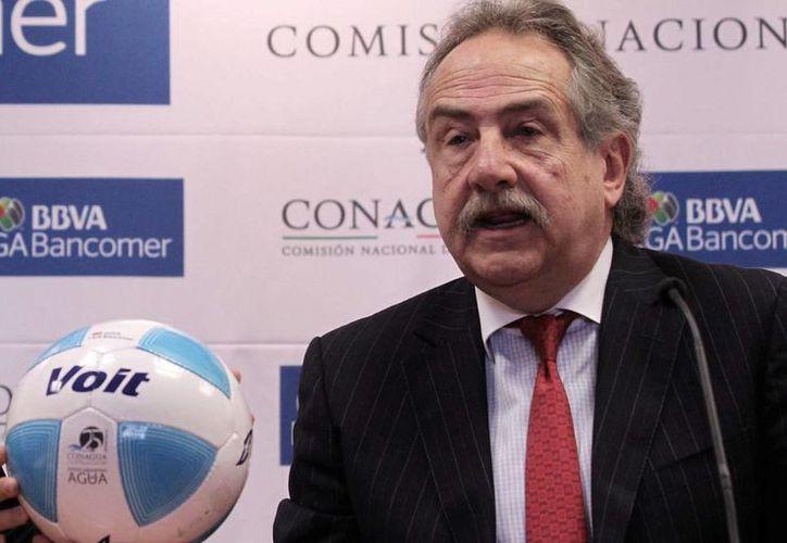 Decio de María sigue firme en 'relajar' las reglas para la naturalización de futbolistas extranjeros. (Archivo Notimex)