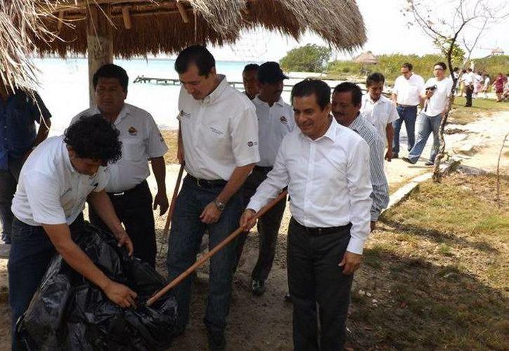 Participaron el presidente del Consejo Municipal y el secretario de Medio Ambiente. (Cortesía/SIPSE)