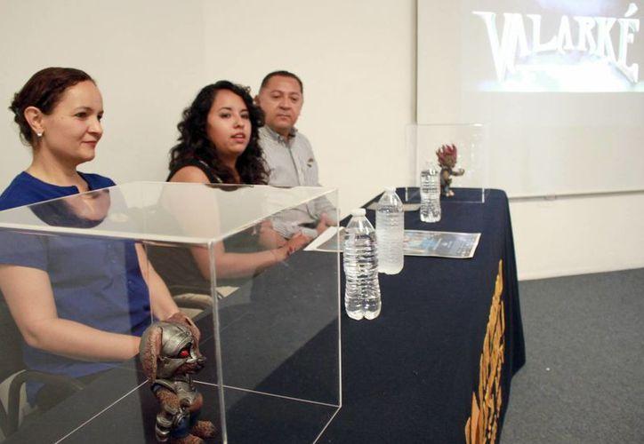 La exposición está compuesta por 18 alumnos de la carrera de Diseño y Comunicación Social de la UMSA.