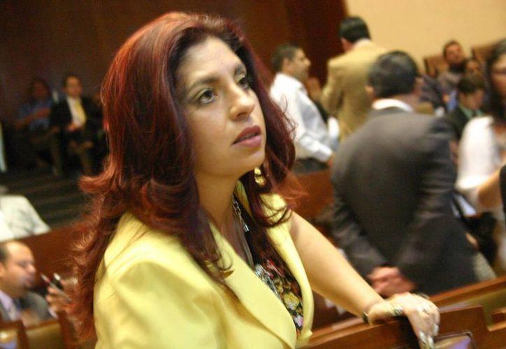 Elisa Ayón Hernández es señalada por actos de corrupción cometidos desde el área de panteones del Ayuntamiento de Guadalajara. (m-x.com.mx)