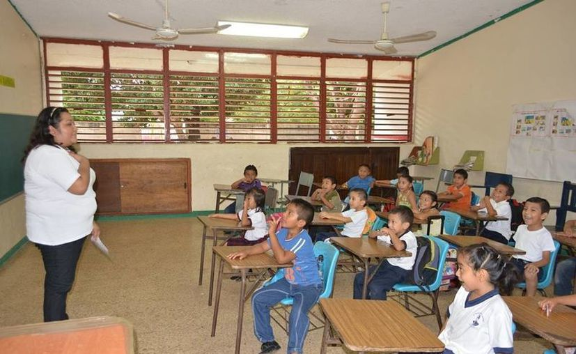 El programa presentado ha despertado gran interés entre los docentes interesados en obtener su título. (Gerardo Amaro/SIPSE)