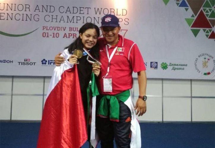 Natalia Botello Cervantes, obtuvo la victoria en el Campeonato Mundial Juvenil de Esgrima.  (@CONADE/Twitter).