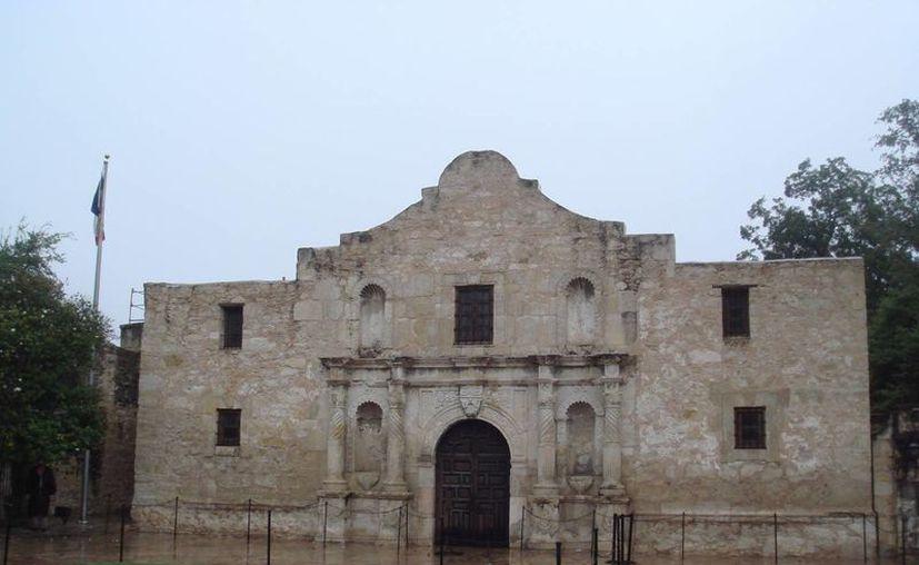 La histórica Misión de El Álamo, en San Antonio, es un sitio considerado como la cuna de la independencia de Texas. (Agencias/Archivo)