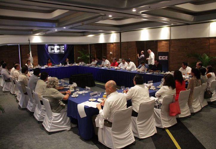 Los afiliados al Consejo Coordinador Empresarial realizaron  un encuentro. (Consuelo Javier/SIPSE)