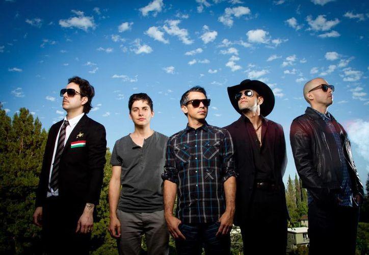Kinky es una de las bandas que se presentará en el Playa Rocks, en esta ocasión ofrecerá un show unplugged. (Contexto/Internet)