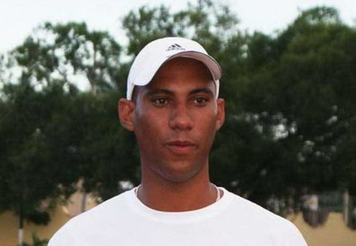 El entrenador cubano Ramón Martínez ya llegó a Yucatán para hacerse cargo de los atletas de salto de altura, de salto de longitud y salto con garrocha. (Milenio Novedades)