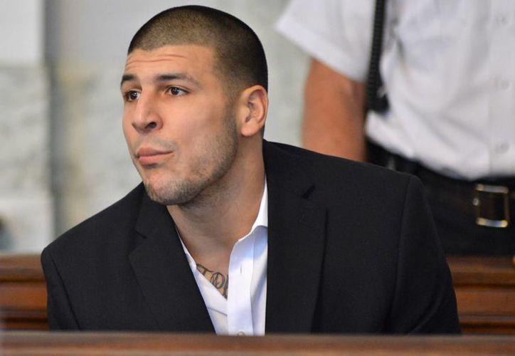 Hernández enfrenta cargos por asesinato premeditado. (Agencias)