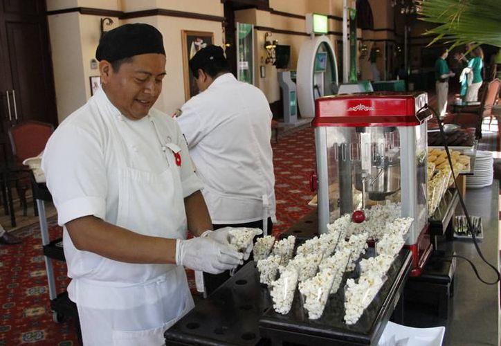 La planta laboral en Cancún es de aproximadamente 80 mil trabajadores. (Archivo/ SIPSE)