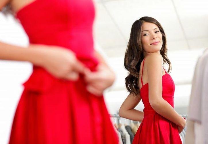 Al probarse ropa nueva se pueden contagiar algunas enfermedades cutáneas. (Foto: TICbeat)