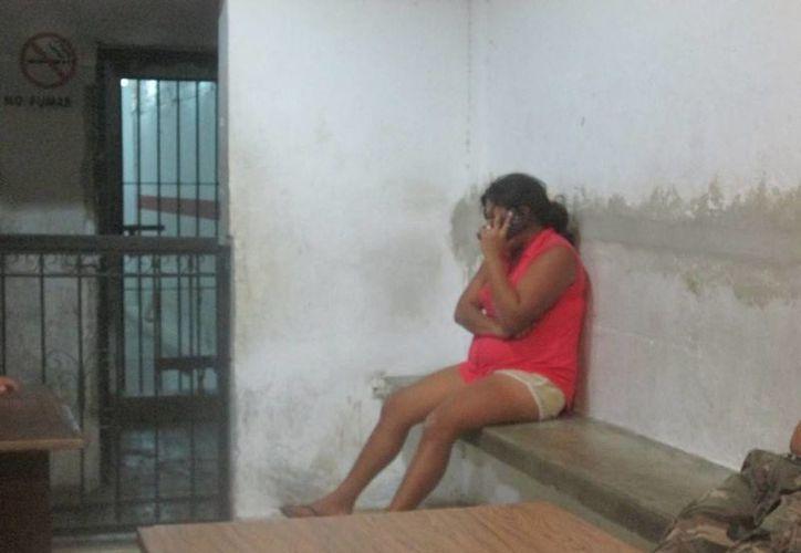 La joven fue detenida luego de intentar quitarse la vida junto a sus hijos. (Redacción/SIPSE)