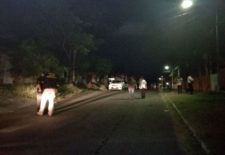 La policía persiguió a los sujetos hasta un predio donde se parapetaron. (Redacción/SIPSE)