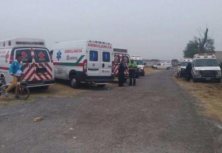 Tres personas muertas y cinco fallecidas es el saldo preliminar de la explosión de un polvorín en el Estado de México. (twitter.com/CruzRojaEM)