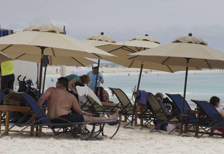 El turismo italiano es cautivado por las bellezas de Quintana Roo. (Israel Leal/SIPSE)