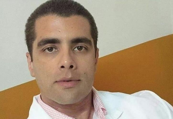 Denis Furtado le aplicó a la paciente relleno con biopolímeros y polímeros, que son muy peligrosos, lo que pudo provocarle la muerte. (Foto:  Instagram)