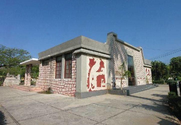 La casilla especial colocada en el Biblioteca José Martí presenta atrasos en su apertura debido a problemas en el sistema. Imagen de contexto. (mexicoescultura.com)