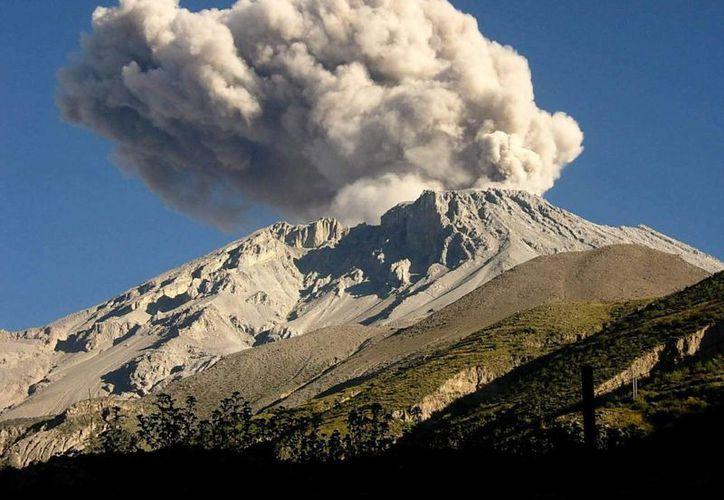 El volcán Ubinas es considerado el más activo de Perú. (EFE)