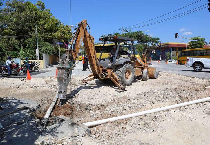 Los trabajos en la calle 60 Norte comenzaron en octubre de 2013 y se espera concluirlos este mes de marzo de 2014. (Cortesía)