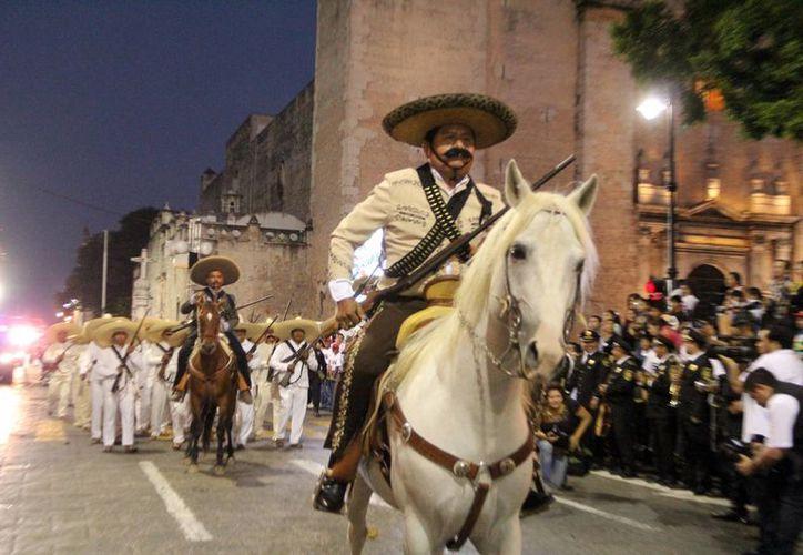 Estampa revolucionaria como parte del desfile por el 104 aniversario de la gesta heroica. (José Acosta/SIPSE)