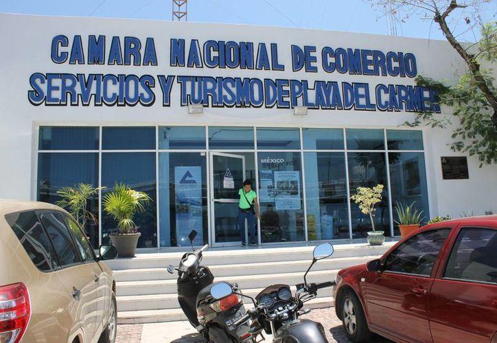 """Los negocios interesados en participar en """"El Buen Fin"""" pueden acudir a las oficinas de la Cámara Nacional de Comercio de la localidad. (Juan Cano/SIPSE)"""