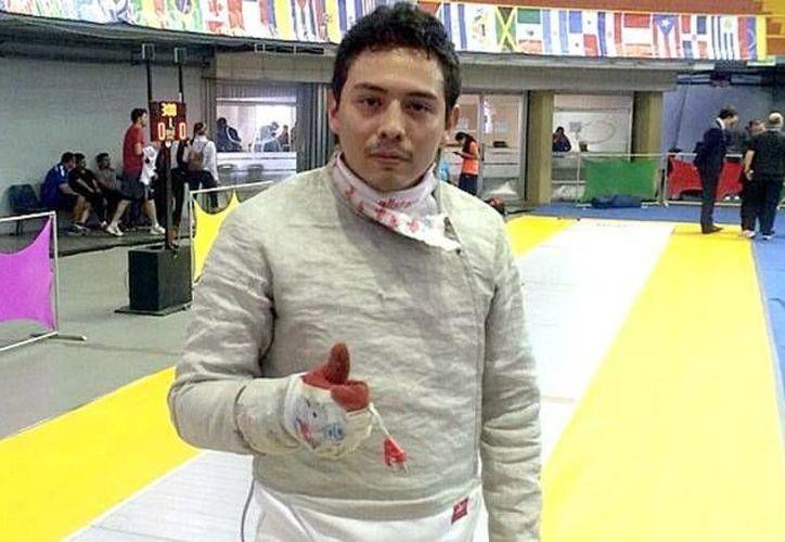 El esgrimista Julián Ayala perdió ante el estadounidense Andrew Doddo (15-9). (Milenio Novedades)