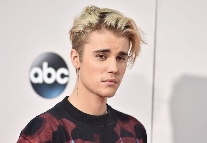 Justin Bieber compartió en su cuenta de Instagram un video en el que muestra su nuevo tatuaje. (Contexto/Internet).