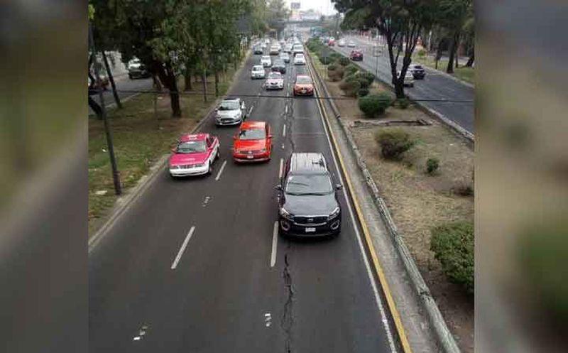 Se abre grieta de 30 metros en Viaducto Río de la Piedad