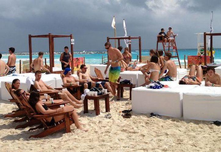 Con la modificación de huso horario se busca que los turistas aprovechen la luz del sol en sus actividades. (Cortesía/SIPSE)