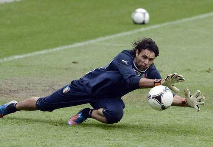 Sirigu, de 27 años, ha disputado 23 partidos con Italia. Buffon suma más de 140. (zimbio.com)