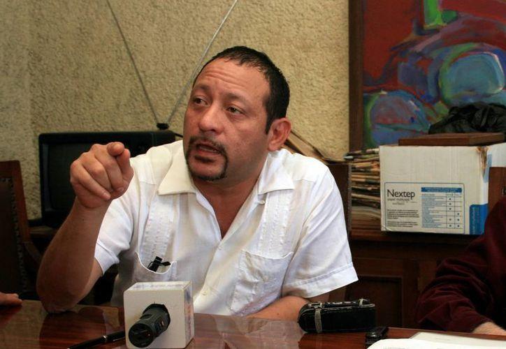 El secretario de Asuntos Jurídicos del PRI, René Verde Pinzón advirtió de destrucción de propaganda política. (Milenio Novedades)