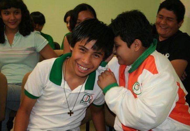 A los niños del Proyecto Alfa se les prometió becas y diferentes tipos de impulso educativo. (Milenio Novedades)