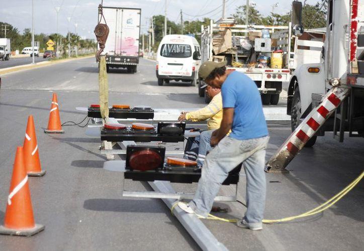 El tercero será colocado en la entrada del fraccionamiento Tierra Maya. (Israel Leal/SIPSE)