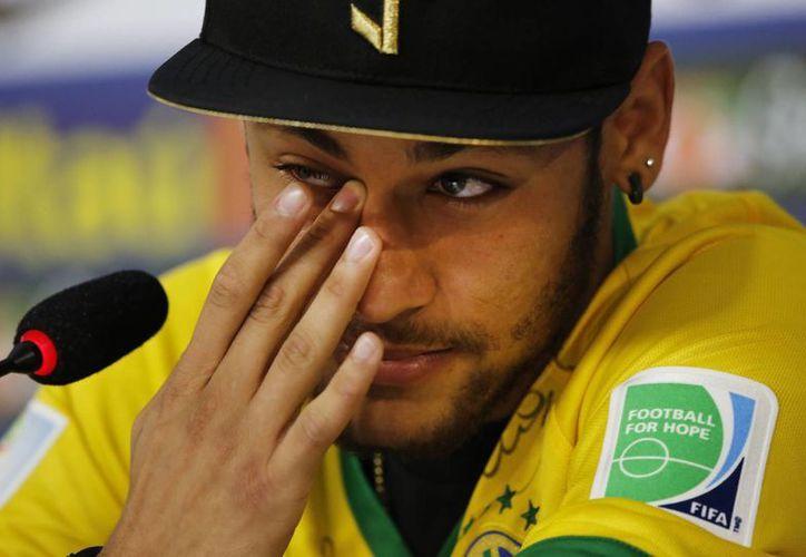 Neymar, entre lagrimas, llamó 'fracaso' la actuación de Brasil en el Mundial. (AP)