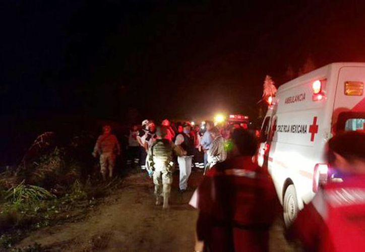 El incendio se registró cerca de un ducto de Pemex en el poblado de Cárdenas; 30 personas resultaron heridas. (@ProcivilTabasco)