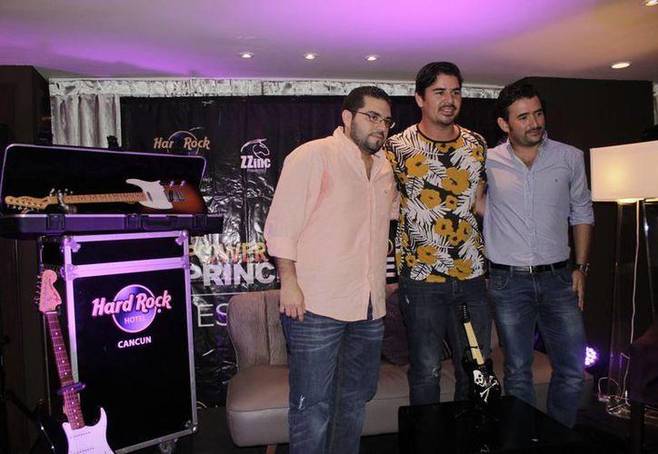 En conferencia de prensa, se dieron a conocer detalles sobre el concierto de los cantantes. (Andrea Aponte/SIPSE)