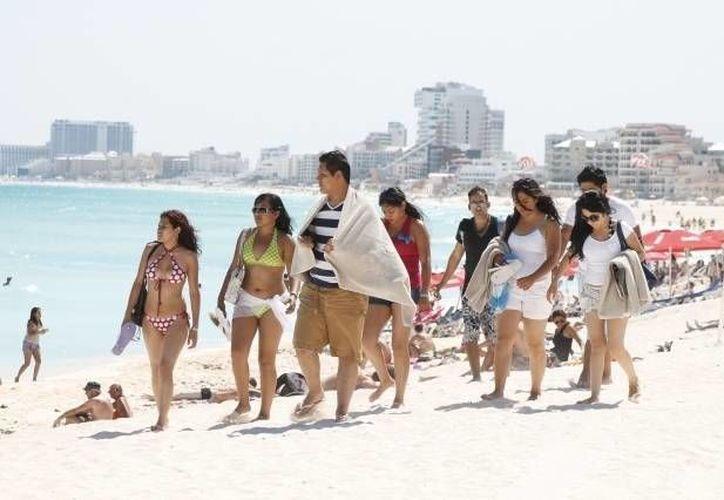 De enero a marzo el turismo nacional y extranjero arrojaron un total de dos mil 244 millones de dólares. (Redacción/SIPSE)