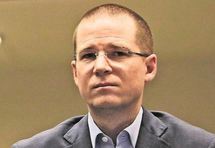 El panista tiene su licenciatura en Derecho por la Universidad Autónoma de Querétaro. (Foto: Contexto/Internet)
