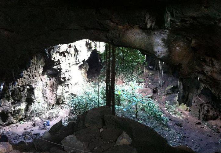 En estas grutas inició lo que tuvo un final trágico. (Jorge Moreno/SIPSE)