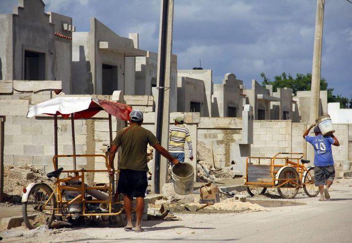 Pese a que está a la baja la demanda de viviendas en Yucatán, continúa la construcción de fraccionamientos. (Milenio Novedades)