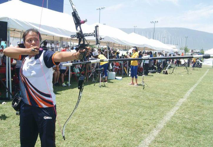 Laura Jaqueline Sosa Seralta llegó al mundial, luego de su destacada actuación en la Olimpiada Nacional 2015. (Ángel Mazariego/SIPSE)