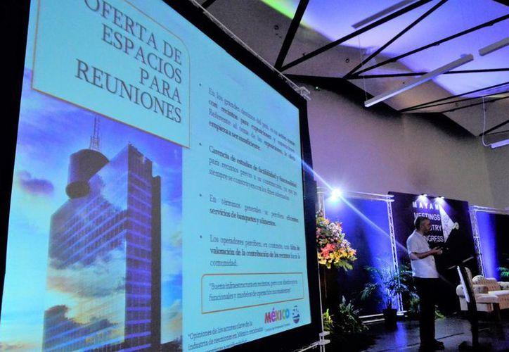 Con el primer Congreso de la Industria de Turismo de Reuniones del Mundo Maya MMIC2017 se pretende que haya una constante capacitación. (Daniel Sandoval/SIPSE)