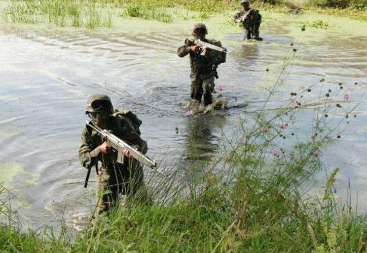 Militares han detectado que las zonas que son utilizadas para cruzar droga al vecino país están ubicadas principalmente en Tecate y otras en Mexicali. (Archivo SIPSE)