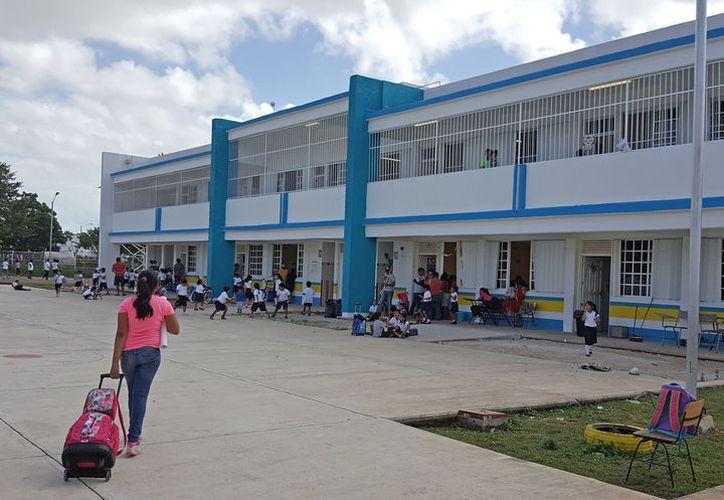 Durante esta temporada vacacional las escuelas quedaron exentas de los robos y vandalismo. (Foto: Jesús Tijerina/SIPSE)