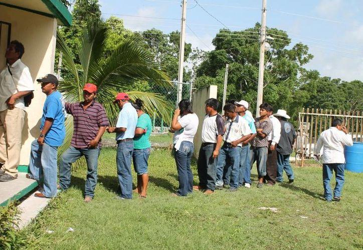 Transcurre jornada electoral en calma, en casilla ubicada en la frontera. (Edgardo Rodríguez/SIPSE)