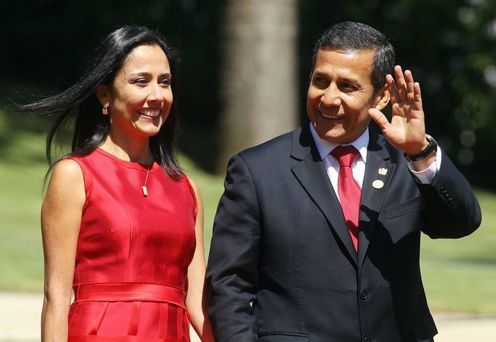 El presidente de Perú, Ollanta Humala junto a su esposa Nadine Heredia. (EFE/Archivo)
