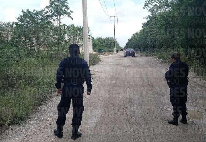 Se espera la llegada de los peritos de la Fiscalía, para el levantamiento de cuerpo. (Eric Galindo/ SIPSE)