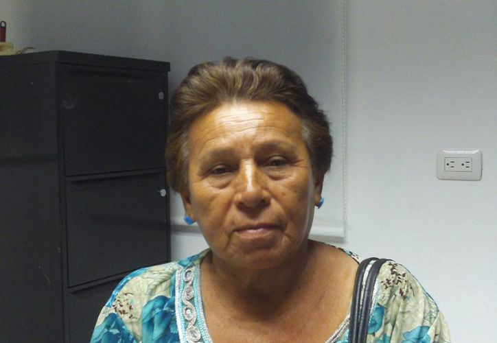 María Ángela Lizama Rosado pide ayuda a las autoridades para recuperar lo suyo. (Manuel Pool/SIPSE)