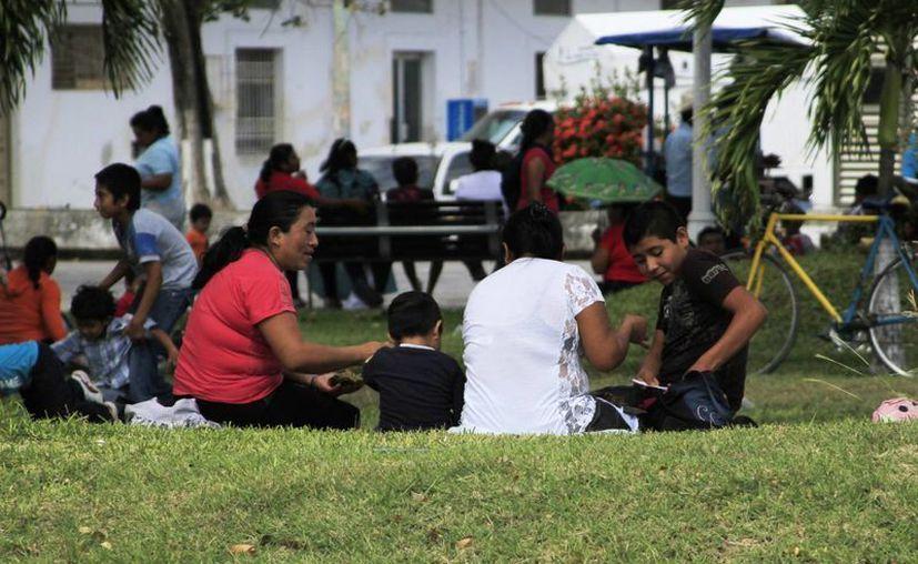 La veda electoral afectará el ingreso de nuevas familias al programa Prospera. (Harold Alcocer/SIPSE)