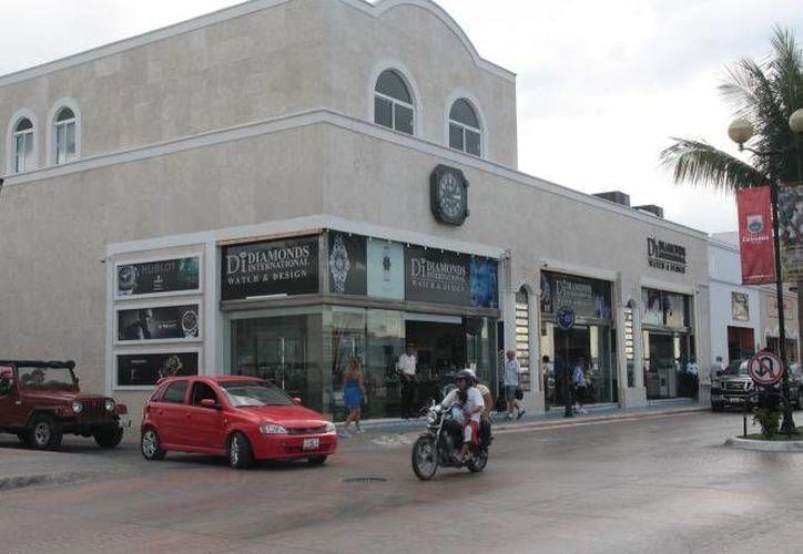 La joyería Diamonds International de Cozumel, escena de un violento asalto por segunda vez en su historia. (SIPSE)