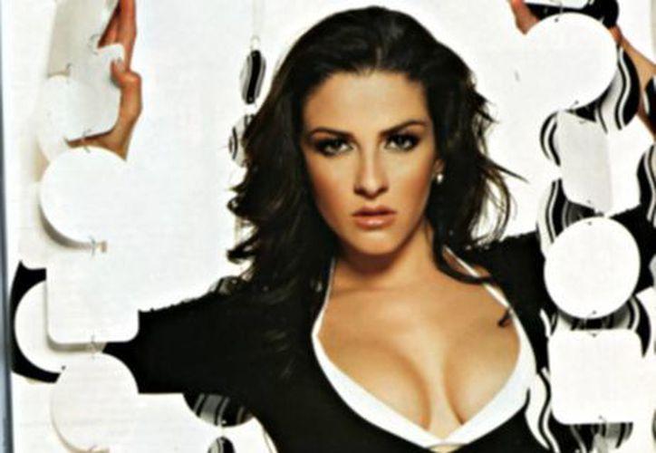 La cantante y actriz se estrena en la televisión como co-conductora. (Milenio)