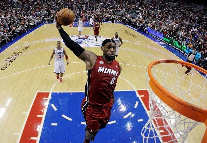 """""""No juego básquetbol pensando en cifras"""", asegura LeBron James."""